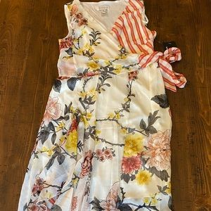 Floral long flowy sleeveless dress NWT size 8